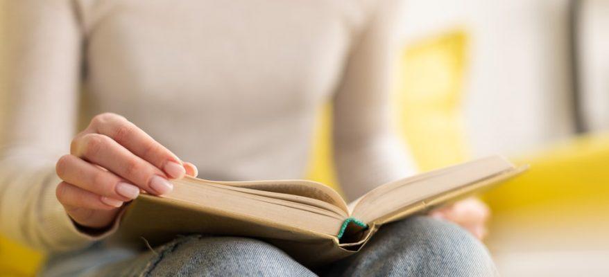 leggere due libri al mese